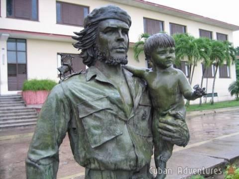 Che Guevara Statue in Santa Clara