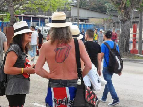 People in Rolling Stones Havana Concert
